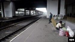 Вчераутром 400 работников главного железнодорожного узла страны отказались выходить на работу