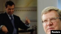 Дмитрий Медведев предложил министру финансов Алексею Кудрину подать в отставку, если он не согласен с мнением главы государства