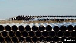 Keystone XL-ის ნავთობსადენისთვის გამზადებული მილები ჩრდილოეთ დაკოტაში, აშშ-ში. 2014 წელი
