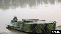 Цим човном браконьєри волочили сітки течією Десни (Фото Павла Дренина)