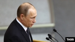 Президент России Владимир Путин на пленарном заседании Госдумы. Москва, 22 июня 2016 года.