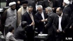 اعضای کابینه محمود احمدی نژاد در مجلس شورای اسلامی