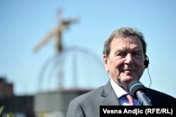 """Бывший Канцлер Германии Герхард Шредер – одна из ключевых фигур в российско-германском сотрудничестве. Сейчас Шредер возглавляет совет директоров проекта """"Северный поток 2"""" по доставке газа из России в Германию по дну Балтийского моря"""