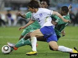 پارک چو یونگ در بازی مقابل نیجریه در جام جهانی ۲۰۱۰