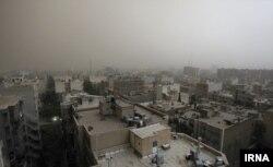 توفان از تهران نیز گذشت اما گزارشی از خسارات جانی منتشر نشده است
