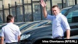 Навальный перед допросом в понедельник