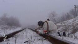 Ukrayna hərbçiləri separatçıların istifadə etdiyi dəmir yolunu partladır