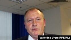 Premierul interimar Aureliu Ciocoi în redacția de la Chișinau a Europei Libere.