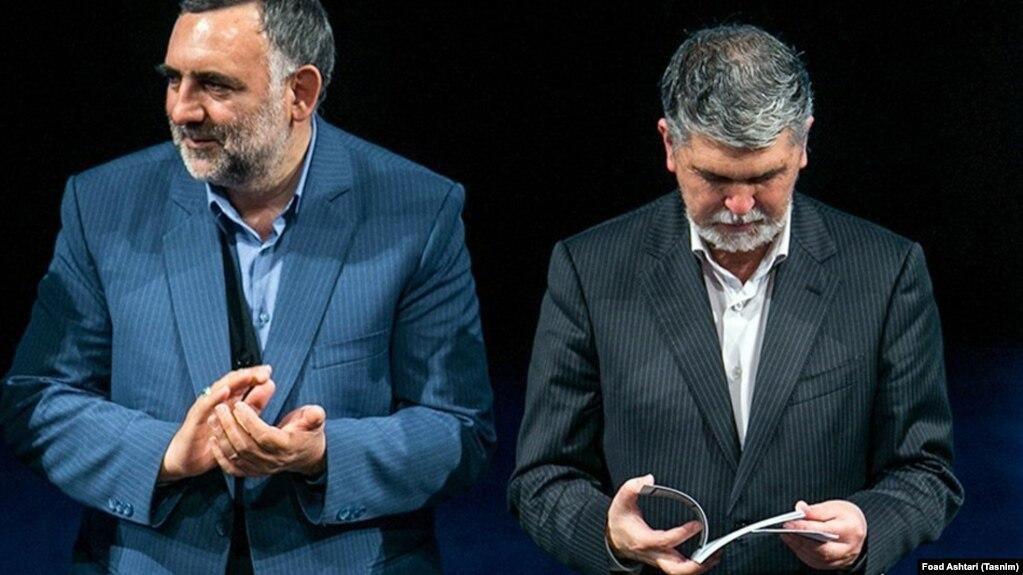 محسن جوادی، معاون فرهنگی وزیر ارشاد (سمت چپ)، در کنار عباس صالحی، وزیر ارشاد