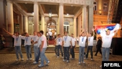 Doček vaterpolista Srbije u Beogradu nakon osvajanja titule svetskog prvaka u Rimu, avgust 2009, Foto: Vesna Anđić