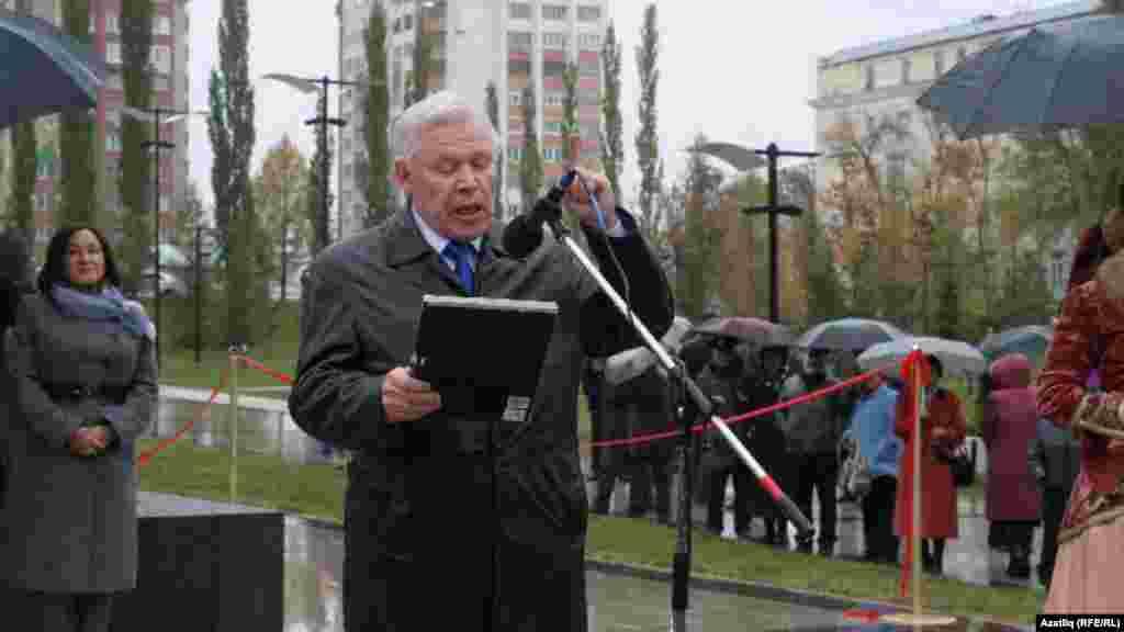Татарстанның халык шагыйре Ренат Харис