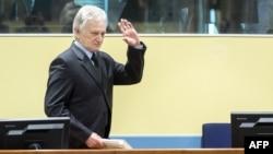 Момчило Перишиќ