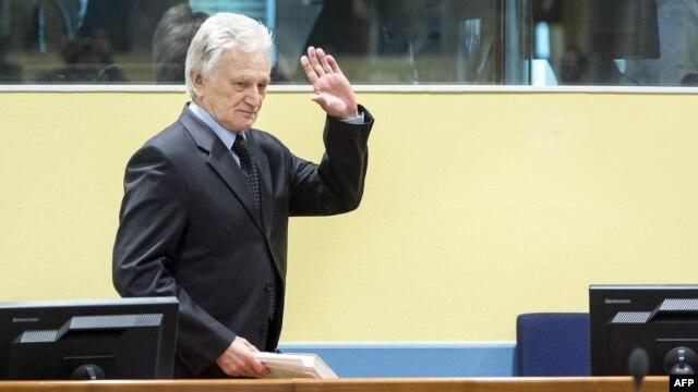 Momčilo Perišić u sudnici 28. veljače 2013.
