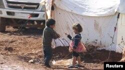 Лагерь беженцев на границе Сирии и Турции в районе Идлиба. Иллюстративное фото.