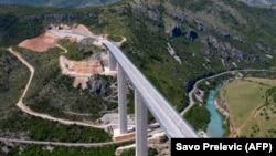 Дел од новиот автопат во Црна Гора.
