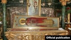 Ковчег с мощами Святой Варвары во Владимирском Соборе в Киеве