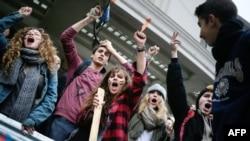 Աշակերտների ցույցը Փարիզում