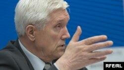 Аляксандар Сурыкаў