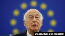 والری ژیسکار دستن رئیس جمهوری پیشین فرانسه