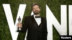 """""""Оскар"""" жүлдесін алған """"Арго"""" фильмінің режиссері Бен Аффлек. Лос-Анджелес, 25 ақпан 2013 жыл."""