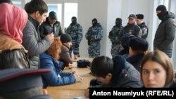 Rusiye telükesizlik hadimleri «Qırım birdemligi»niñ oturışuvını toqtattılar. Suvdağ, 2018 senesi yanvar 27 künü