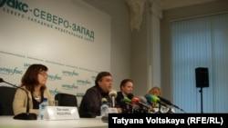 """Пресс-конференция активистов и адвокатов """"Гринпис"""" (Петербург, 13 ноября 2013 года)"""
