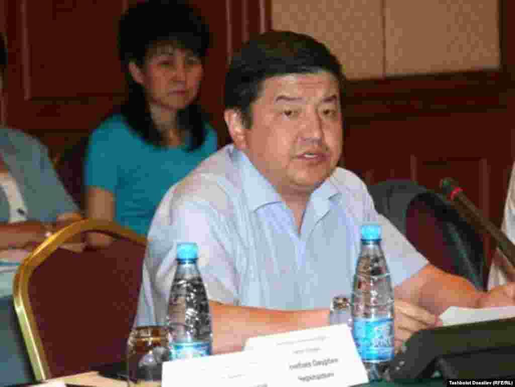 Акылбек Жапаров,министр финансов.