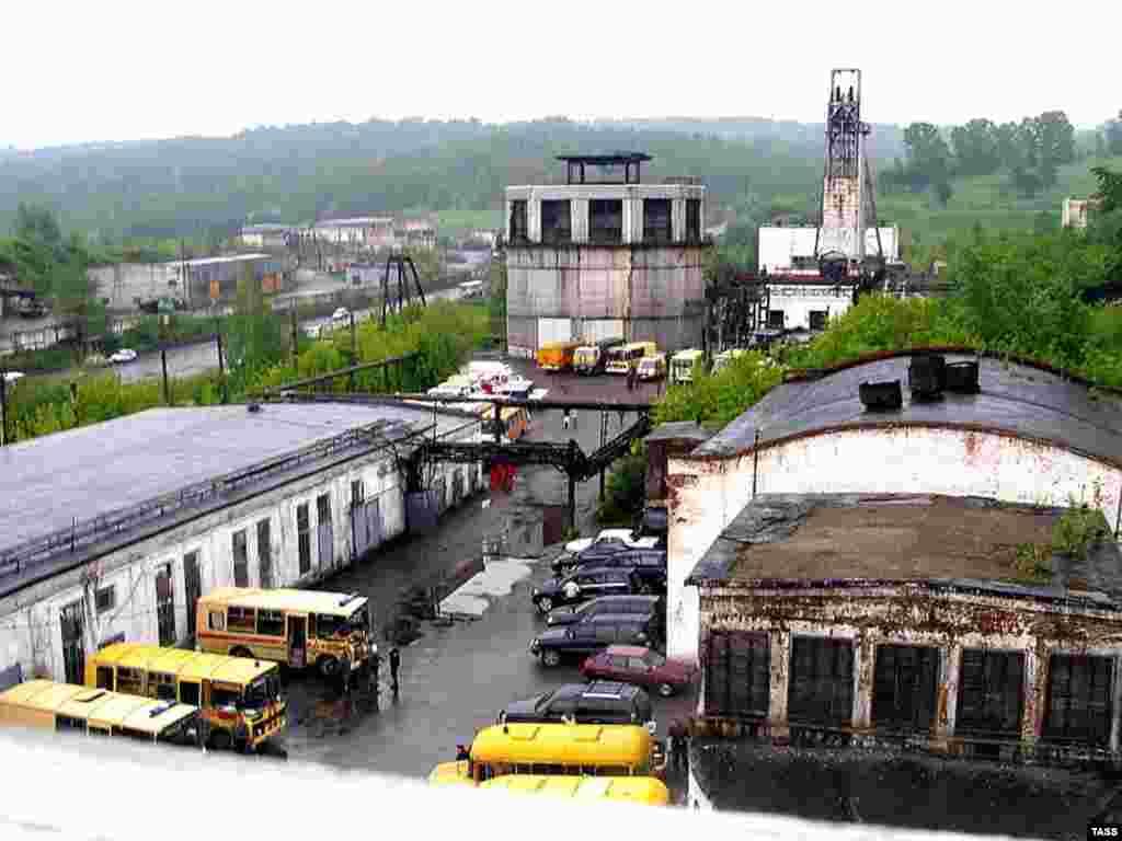 Russia -- The Yubileynaya coal mine in Novokuznetsk in Kemerovo region, 24May2007