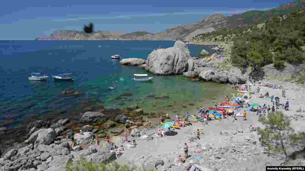 Инжир – самый популярный пляж в этих местах