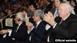 Президент Армении принимает участие в съезде Европейской народной партии, проходящей в Марселе 7-8 декабря 2011 г.