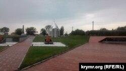 Мемориальный комплекс жертвам фашистской оккупации Крыма – «Концлагерь «Красный»