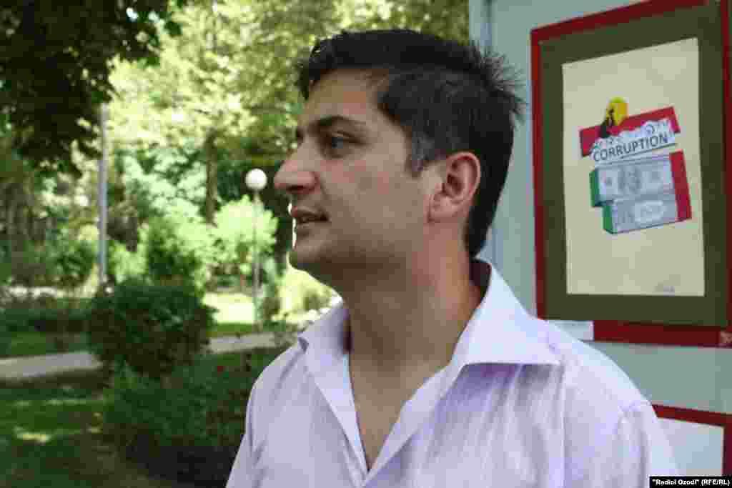 Журналист Зафар Абдуллаев, один ин организаторов акции