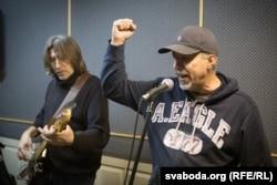 Былы бас-гітарыст «Крамы» Руслан Праўда і Ігар Варашкевіч