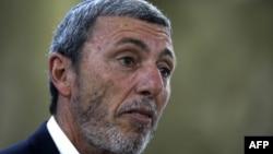 رافی پرتز پیشتر یک روحانی ارتودکس در ارتش اسرائیل بود.