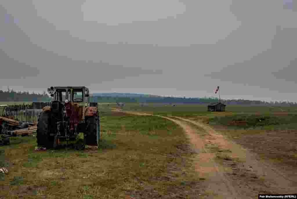 The dirt track leading out to the runway. Every winter Prokopyev brings in the airstrip markers and any other equipment that could be stolen.