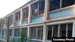 Здание заброшенного детского сада в Зангиатинском районе Ташкентской области.