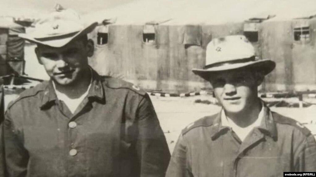 Леанід Казіміраў (справа) ў Кабуле