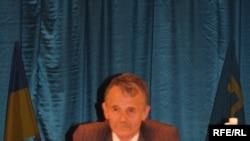 Mustafa Dzhemilev at the World Congress of Tatars in May