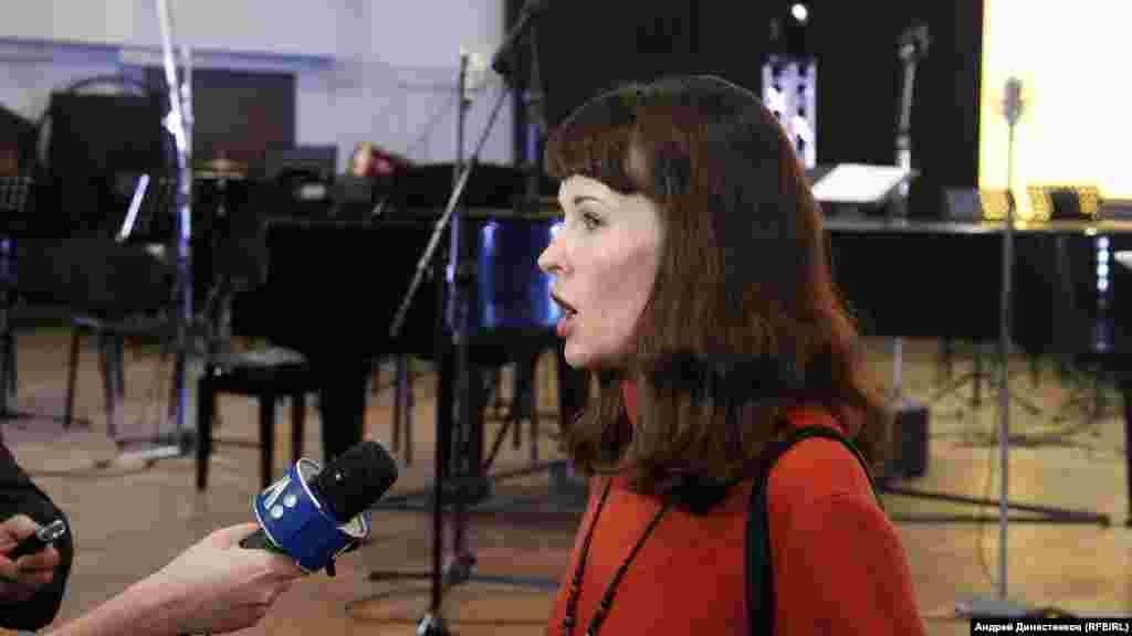 «Qırım inciri» festivaliniñ koordinatorı ve jüri azası Anastasiya Levkova intervyü bere