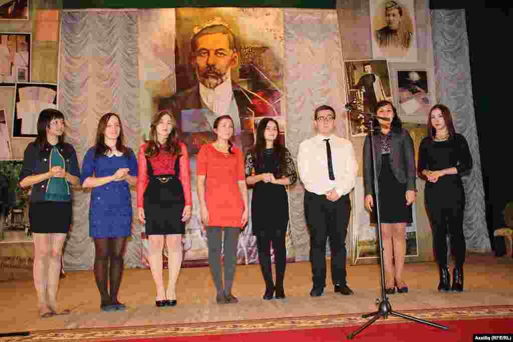Башкортстан дәүләт университеты татар бүлегенең беренче курс студентлары