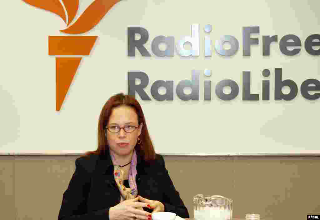 U.S. -- Freizer, Sabine, the Brussels-based Director of Crisis Group's Europe Program; D.C. briefing on Kosovo: Finally Status?; RFE/RL, Washington D.C., 30Mar2007 - *RFE/RL's Digital Photos CD Archive