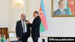 Ильхам Алиев. Награждение журналистов