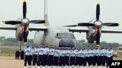 نیروی هوایی هند حدود صد فروند هواپیمای آنتونوف ۳۲ در اختیار دارد.