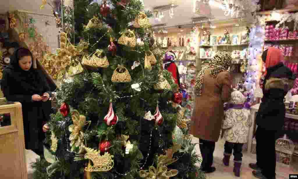 Рождественские распродажи в магазине.