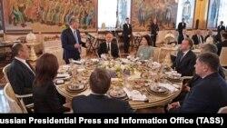 Президент Киргизии Алмазбек Атамбаев на приеме в Кремле