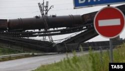 Взорванный мост в Донецкой области. Иллюстративное фото.