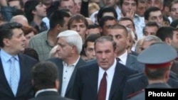 Opposition leader Levon Ter-Petrossian leads an opposition march in central Yerevan.