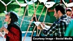 فیلم «عصبانی نیستم» در سال ۱۳۹۲ با بازی نوید محمدزاده و باران کوثری ساخته شد.