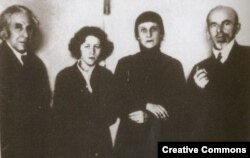Георгий Чулков, Мария Петровых, Анна Ахматова, Осип Мандельштам. Москва, 1934 год