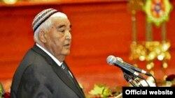 Türkmenistanyň Gahrymany Myratberdi Sopyýew